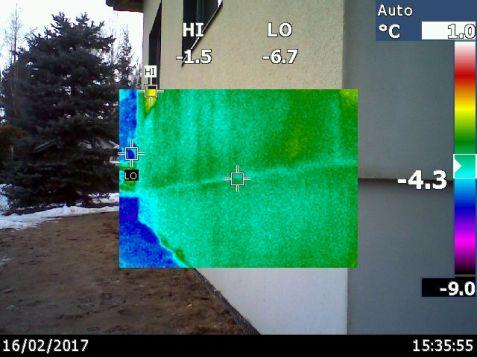 sitoje sienoje jokios dregmes nepastebejau, taciau termovizorius rodo siltesniu ruozu.